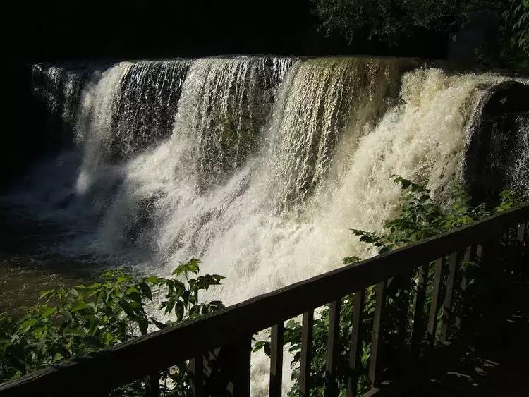 chagrin-falls-oh-3.webp
