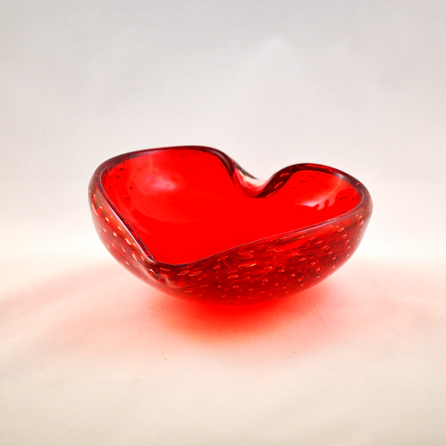 Whitefriars Heart Shaped Controlled Bubble Bowl / Pin Dish in Ruby