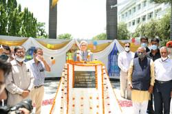 statue of Dr. VK Gupta