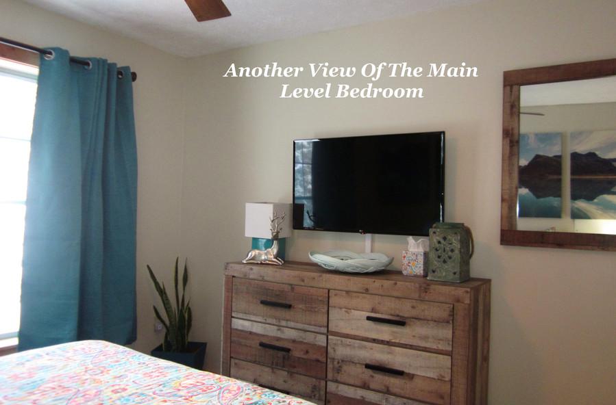 cb-373_main-level-bedroom_view-2jpg