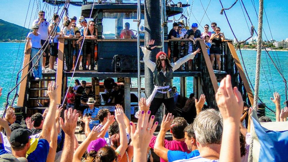 Passeio Barco Pirata