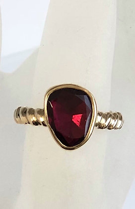 10K gold ring set with Rubellite
