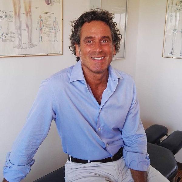 Dr John Manon