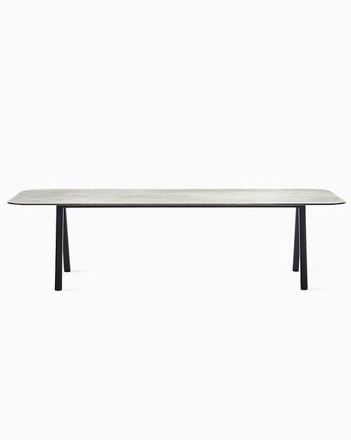 Kodo Dining Table