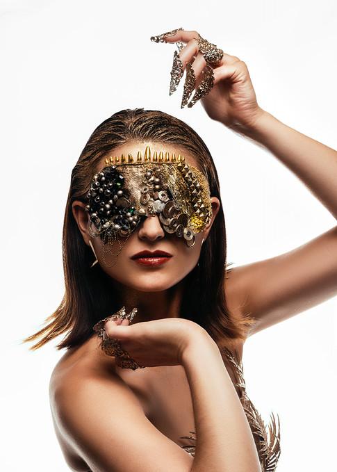 Masque Gold création: apparence4event et photographe: Alain Bearinz