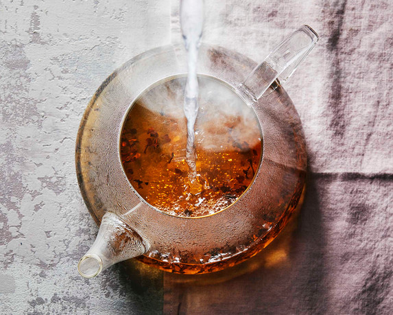 steaming_pouring_teapot.jpg