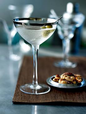 martini_&_spicy_nuts.jpg