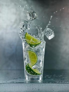 splashing_gin_&_tonic.jpg