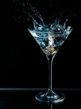 splashing_martini.jpg