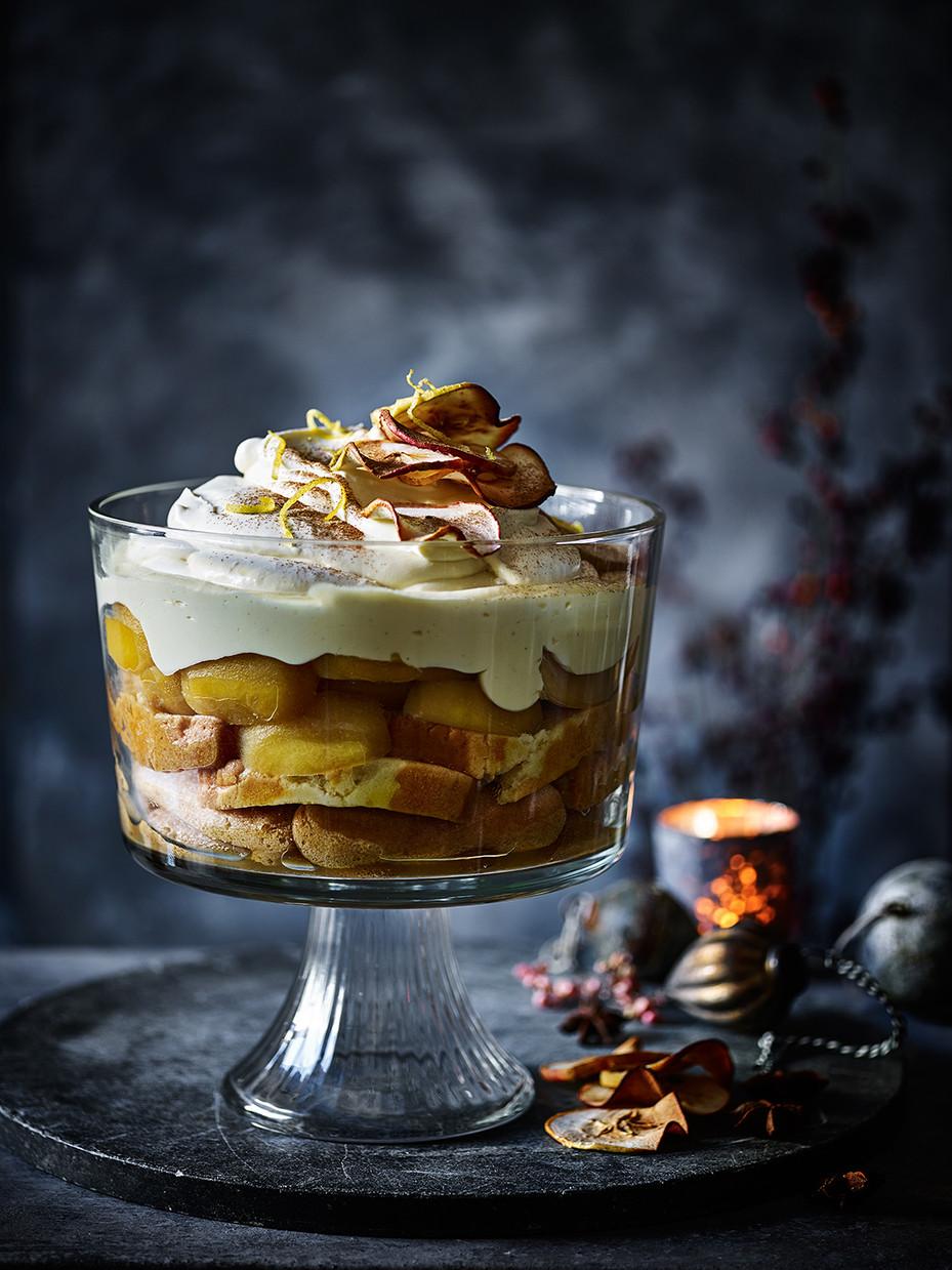 Mulled Apple Syllabub Trifle