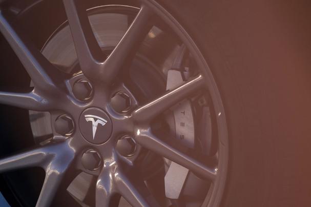Moritz_von_Lüpke_Tesla_34.jpg