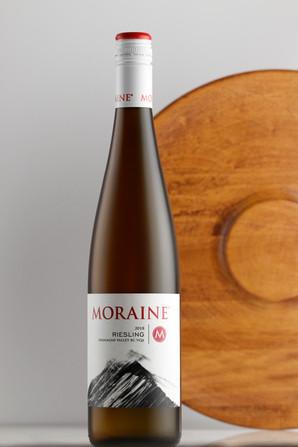 moraine-2018-riesling-wood-tray.jpg