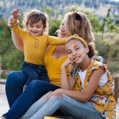 Deanna Dunham with her two children, Amayah and Matteo.