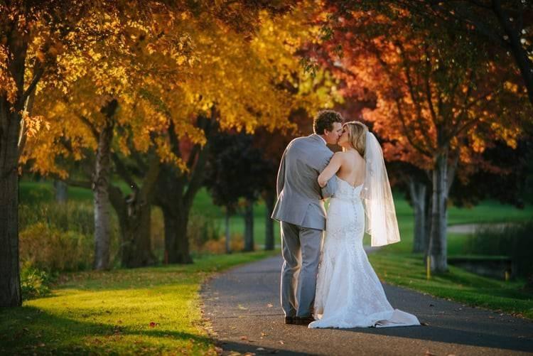kissing-fall-path-adena-byczekjpg