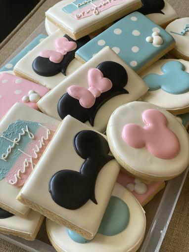 img_9763-grey-duck-cookies.jpg