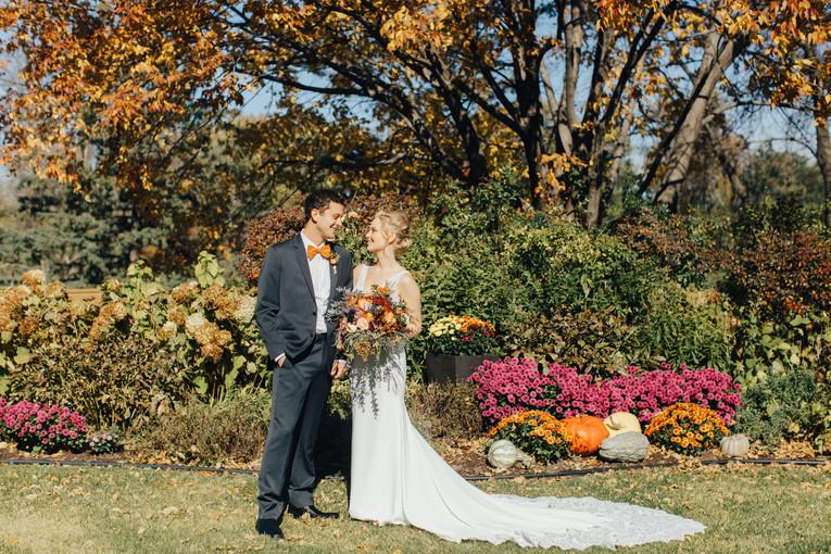 booklet_couple-garden-fall-adena-byc