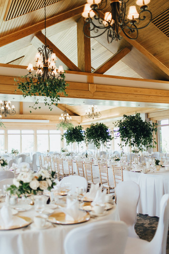 book_lakeside-wedding-greenery-pic-1-a