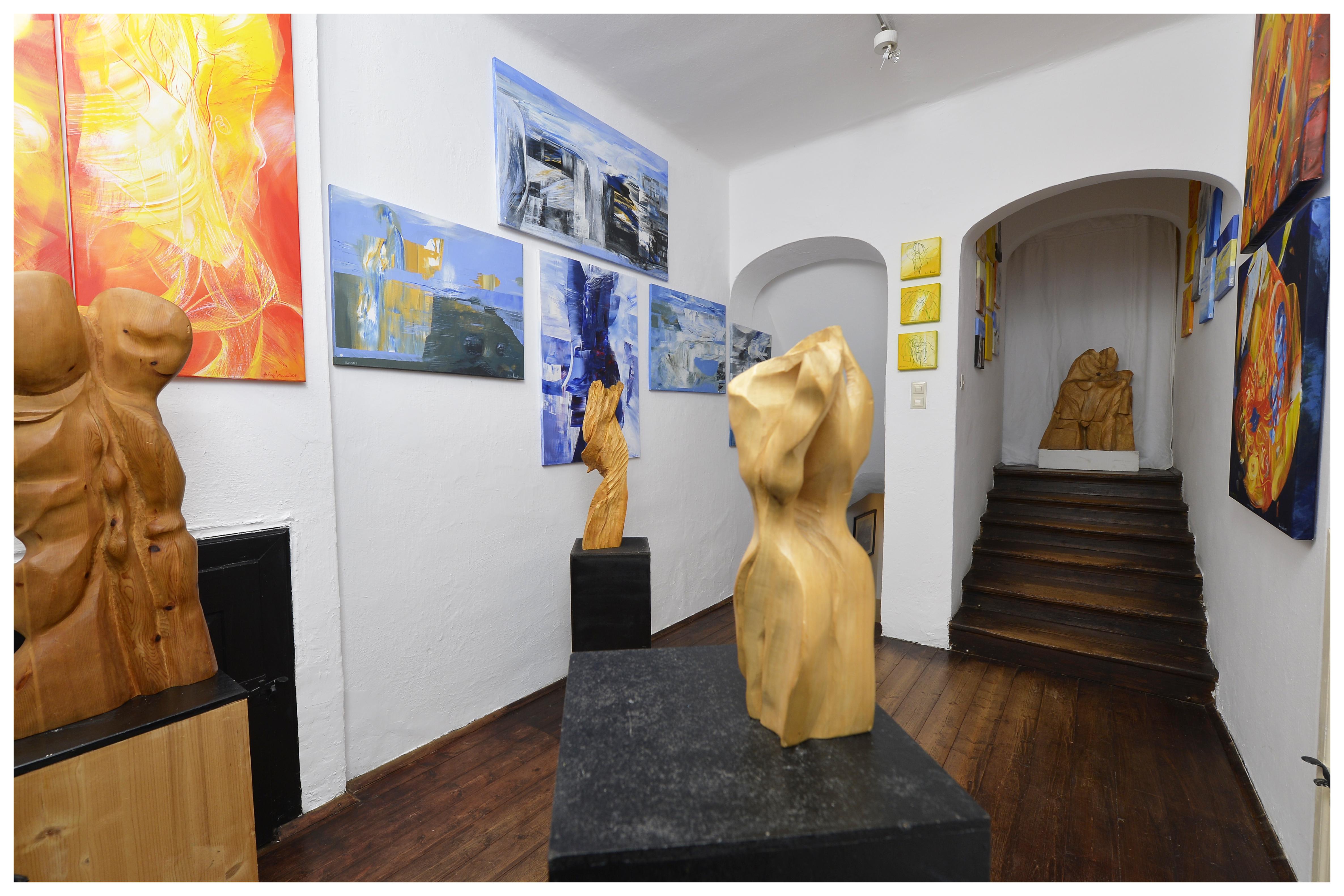 Galerie: Bilder und Skulpturen