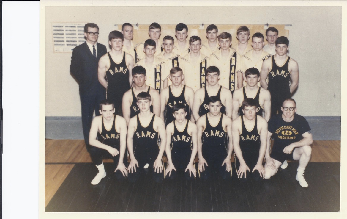 SEP Wrestling team picture 1967-68.jpg