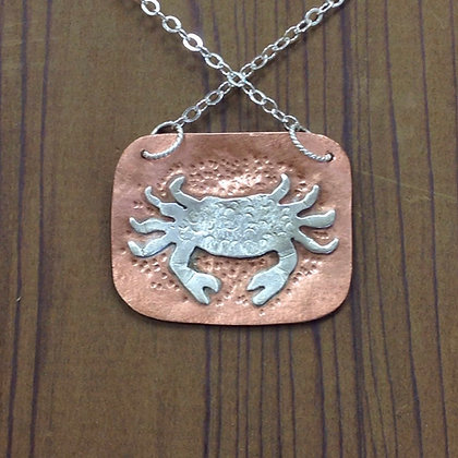 Crab and starfish square necklace