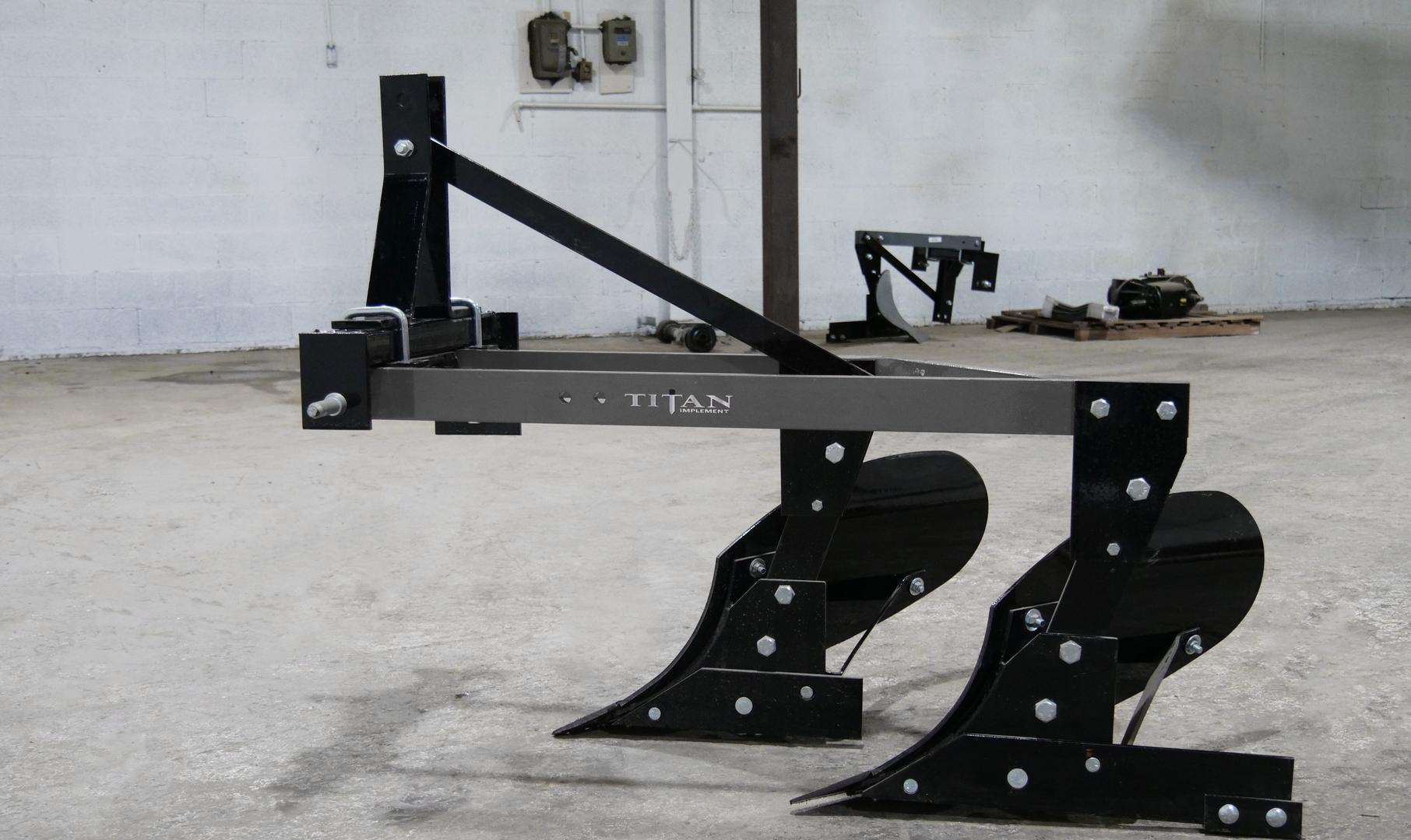 6200 Moldboard Plow  (1).png