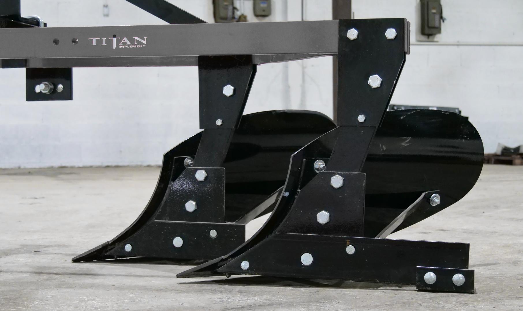 6200 Moldboard Plow  (6).png