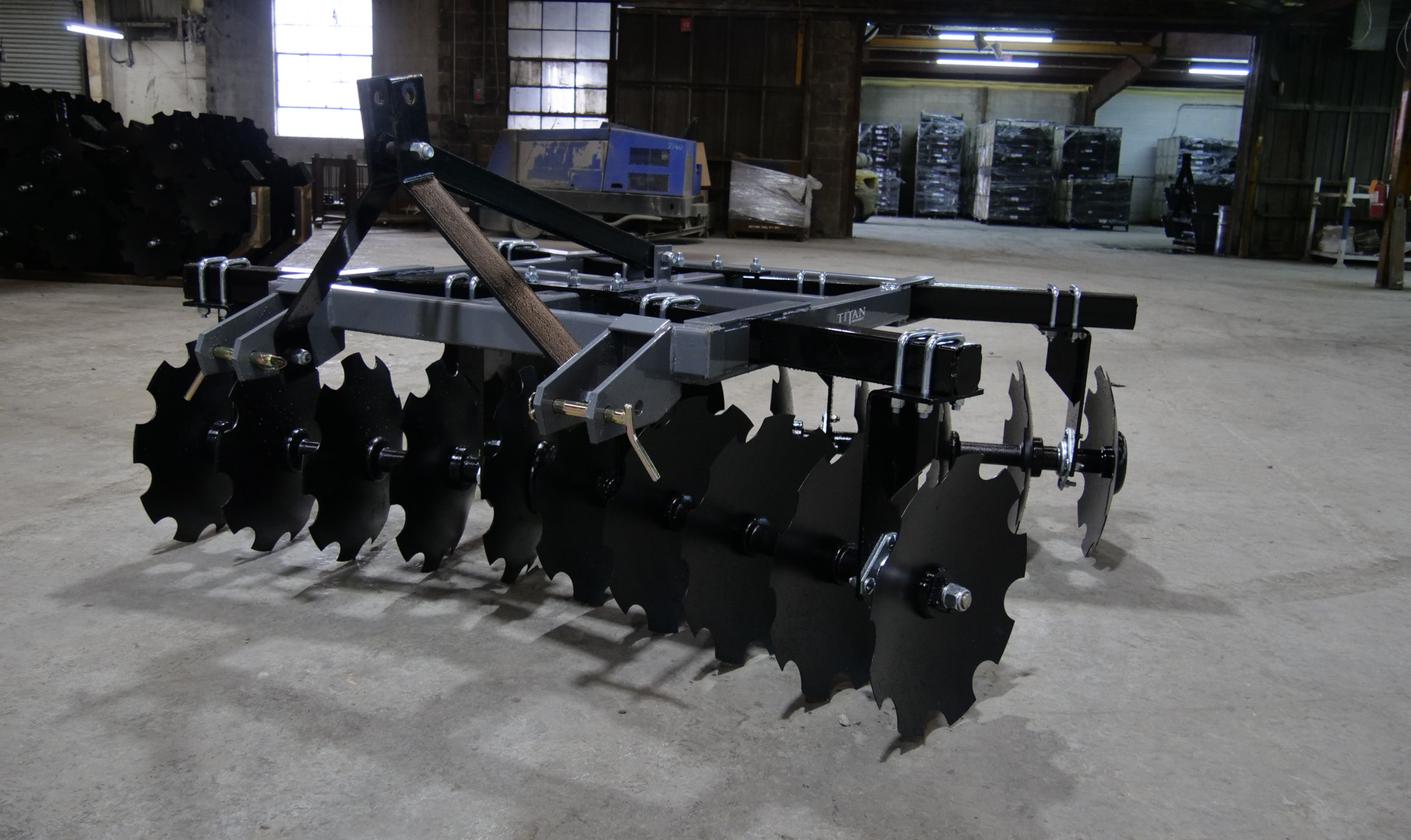 7300 Disc Harrow (29).JPG