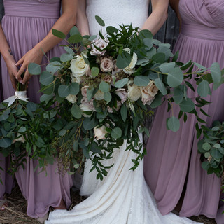 Bride and her tribe's wild and free florals.
