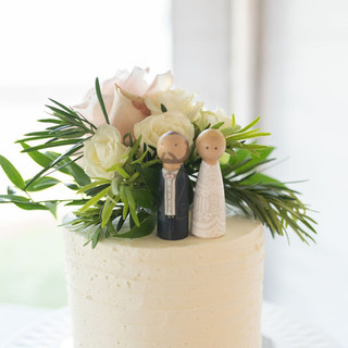 Cutest Cake Topper and Roses