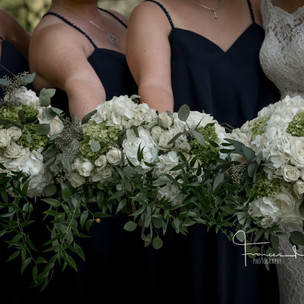 Classic Colour Scheme of Navy, vory and Greens