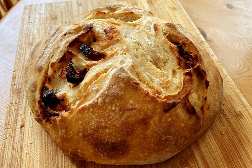 ORGANIC SOURDOUGH BREAD 500g - WITH SUNDRIED TOMATOES & PARMESAN