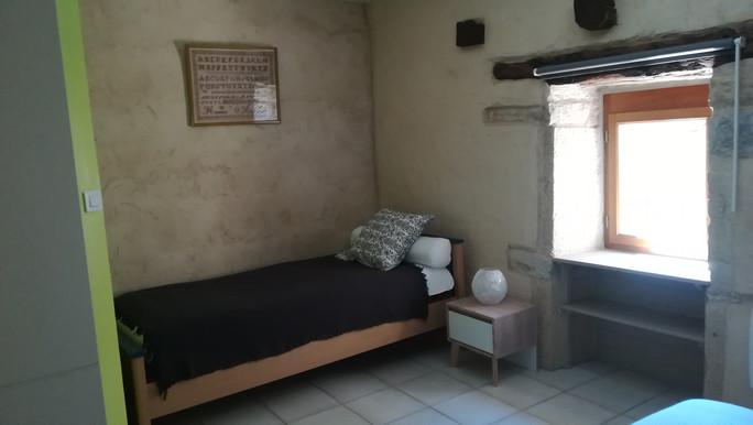 Le mas de Carrié - Appartement Le fournil - la chambre lit 90*190
