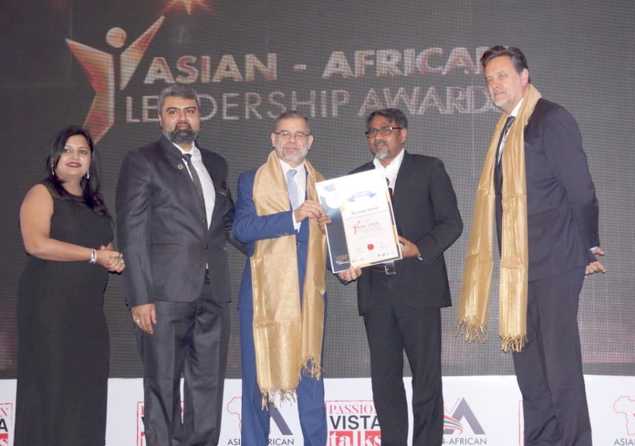 "Sanjay Kumar conferred with the award ""Leadership Award for promoting advancement in Information Technology"""
