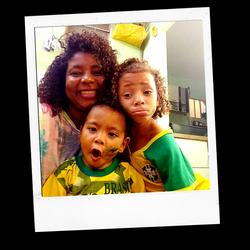 O amor de mãe cresce em se dar. (8)