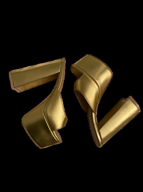 Gold Trixie