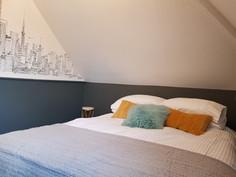 Luxurious bedroom 2