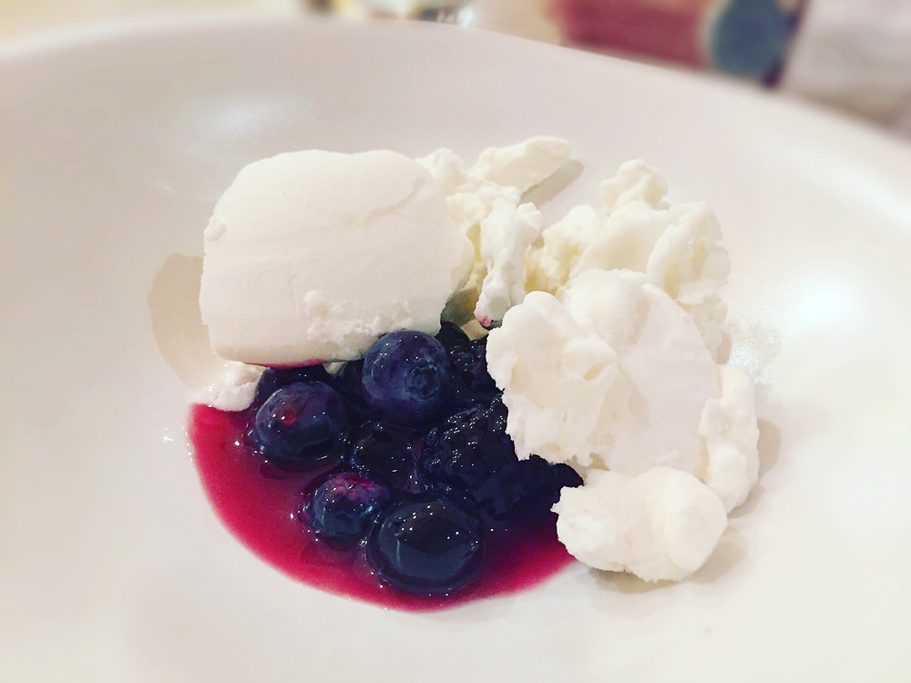 Lûmé | Mixed berries & goat's milk