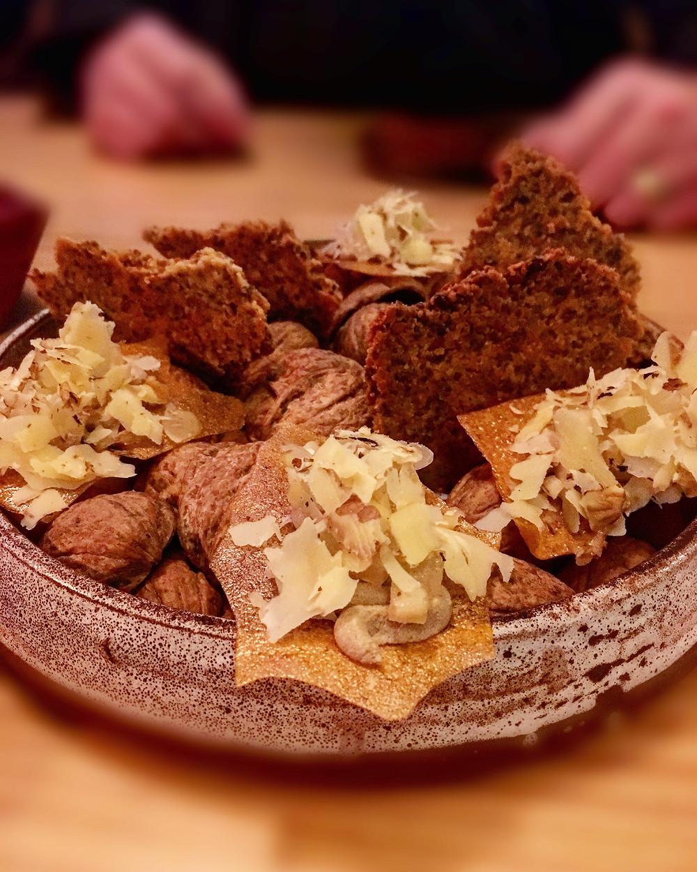 Amaru | Artichoke, crackers & walnuts