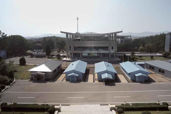 North Korea_PyongYang_Factory 19.jpg