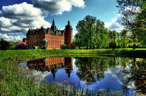 Vallø Slot gardens