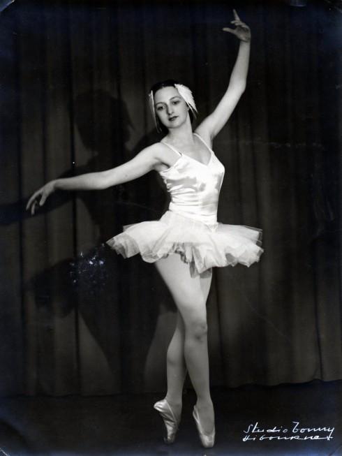 Hermine ballet in Libourne