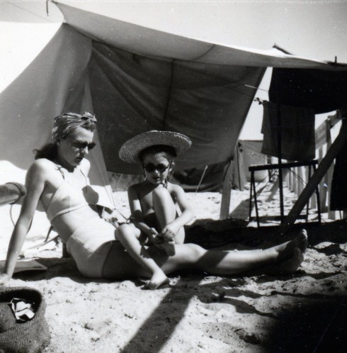 47 Palavas Helene & MC on beach in sunglasses
