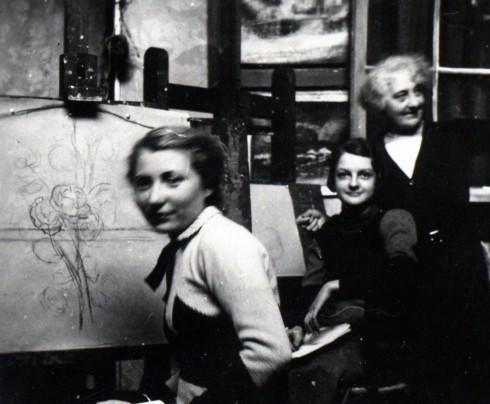 36 Acadamie St. Julienne in Paris, Helene painting class