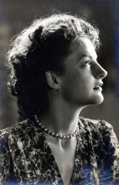 1945 Helene Baronnie studio profile