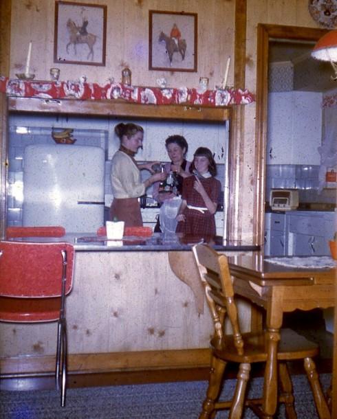 1950s IL Nora Street kitchen