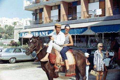 72 Almaria Spain MC on horse with Manuel Comesana