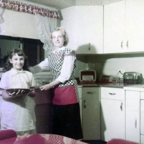 1950s IL MC Helene in kitchen