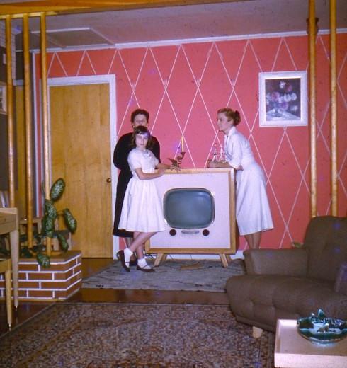 1950s IL Nora Street new television