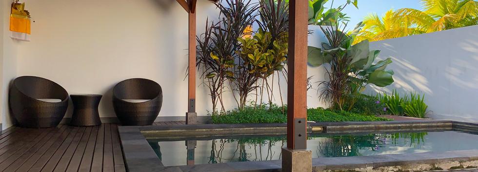 ouside pool