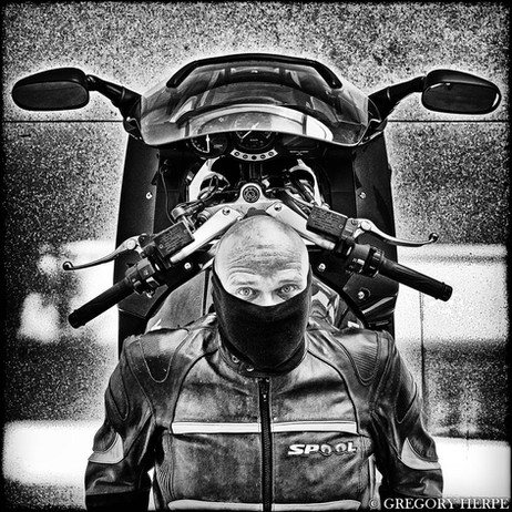 Moto Crown